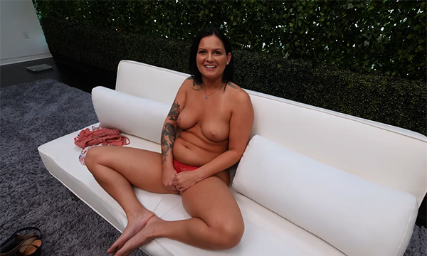 Texas babe asked to taste his load
